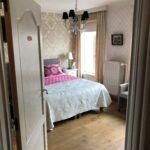 Luxe Kamer met boxspring, koffie en thee op de kamer, tv & wifi, grote kleerkast, private badkamer